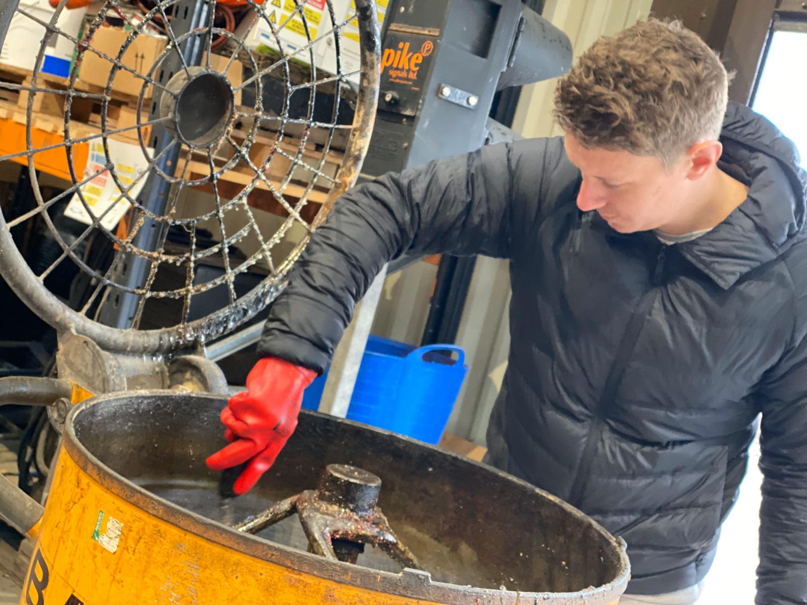 Mixing Resin Bound Surfacing systems with Baron F200 Mixer
